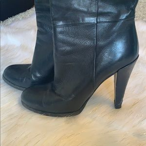 Gucci Shoes - Gucci knee high heels leather black Sz.38 boots
